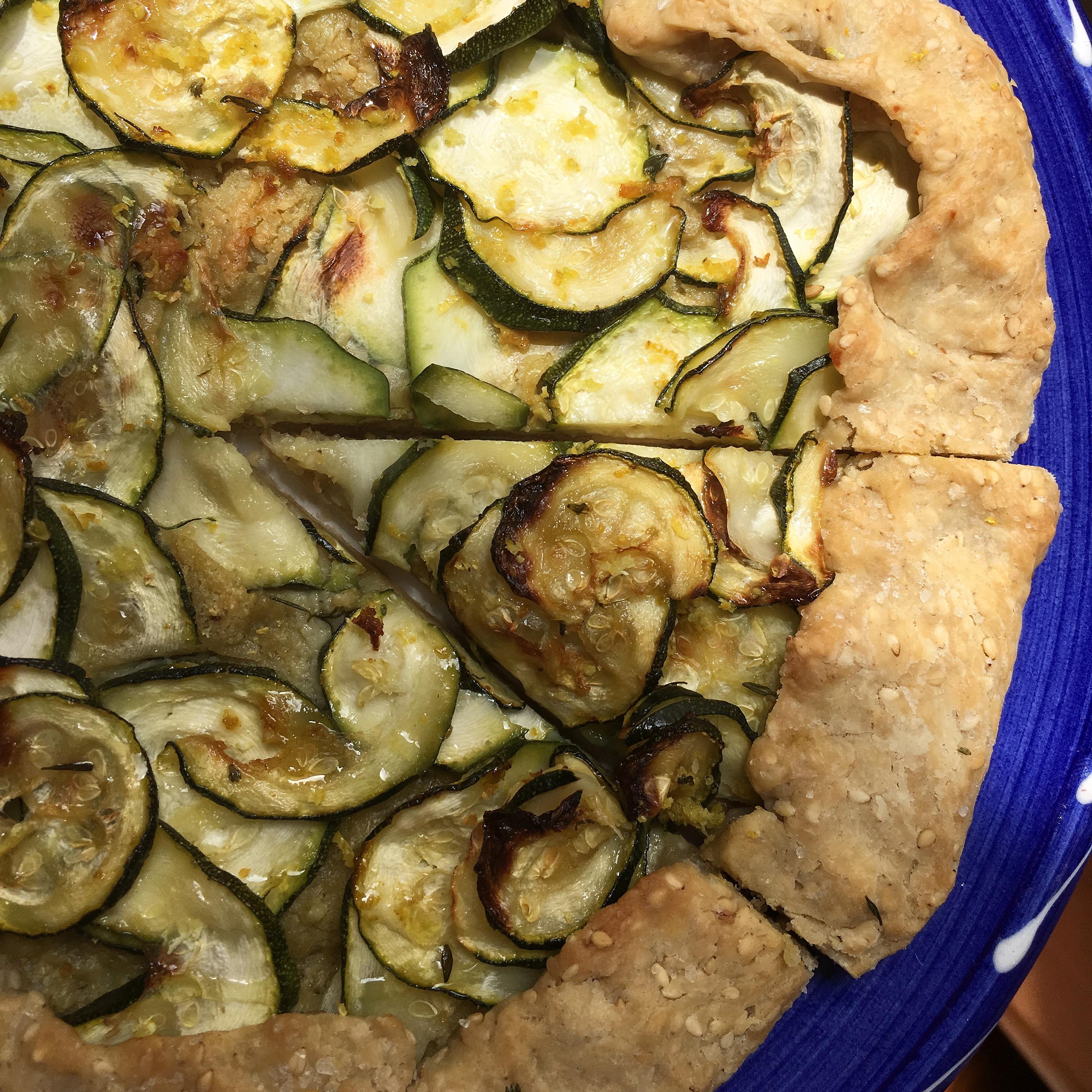 Torta rustica zucchine e cremoso di anacardi